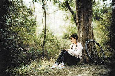殷桃出演《爱情的边疆》 从18岁演到80岁