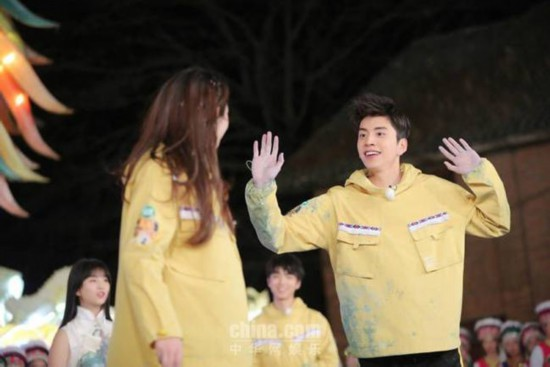 """王大陆变身""""舞蹈担当""""与王俊凯上演巅峰对决"""