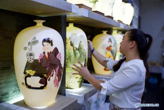 In pics: Dehua, famous ceramics base in SE China's Fujian