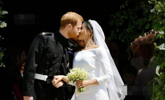 哈里王子夫妇完婚后返回伦敦执行公务 未直奔蜜月
