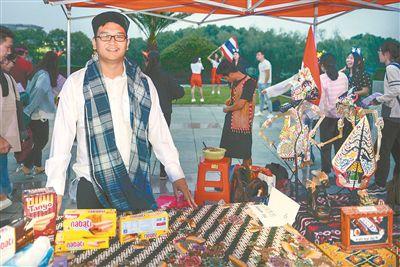南财举办外语文化节 8国留学生参与开幕式表演