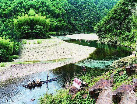 安徽频道 图说天下      月亮湾风景区位于离泾县县城18公里处的蔡村