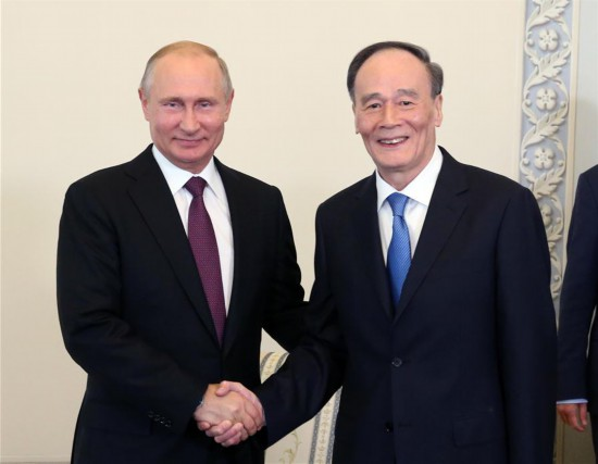 RUSSIA-ST. PETERSBURG-CHINA-PUTIN-WANG QISHAN-MEET (CN)