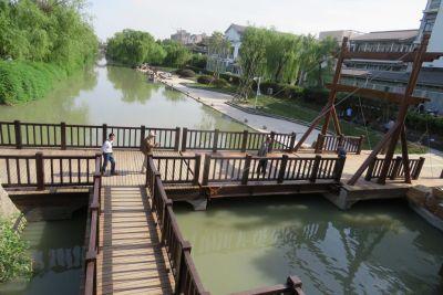 扬州荷花池公园环形通道打通 构成立体交通