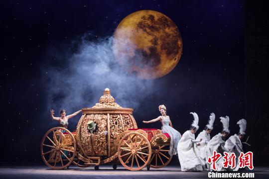 音乐剧《灰姑娘》中文版全国首秀登陆上海