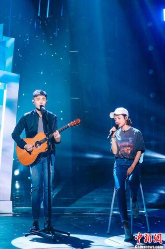 伊一和李荣浩对唱