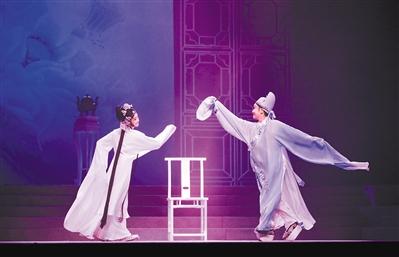 越剧《牡丹亭》:让传统在时尚中秀美