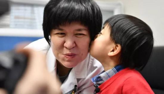 儿科医生童笑梅:减少患儿伤痛 我们一直在路上