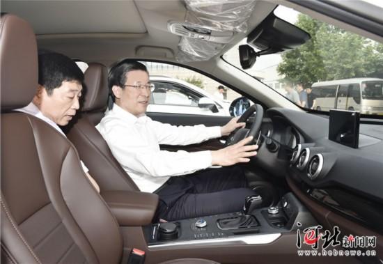 6月3日,省委书记、省人大常委会主任王东峰到保定市调研检查。这是王东峰在长城汽车徐水项目调研检查。