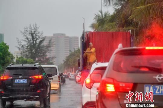今年第4号台风给琼岛带来风雨环岛高铁停运