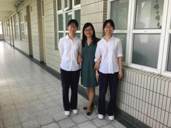 今天5万名上海考生走进考场00后首次迎高考