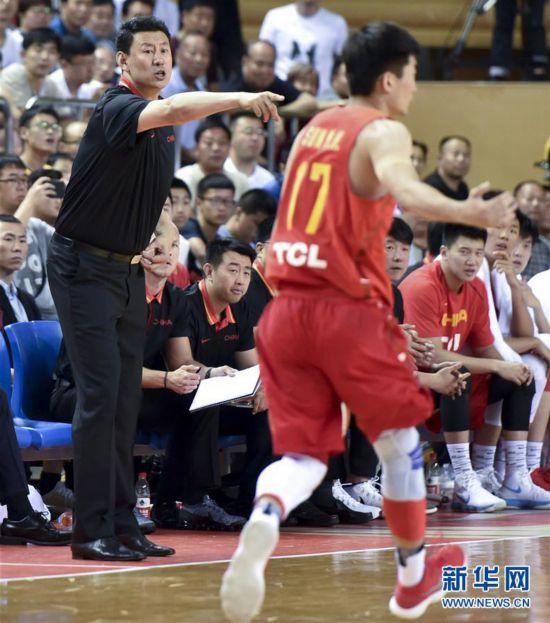 (体育)(4)篮球――中澳国际男篮对抗赛:中国男篮红队不敌澳大利亚NBL联队