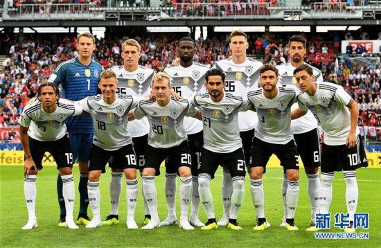 [18](外代二线)足球――友谊赛:奥地利胜德国