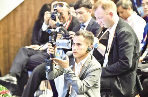 中外媒体聚焦上合组织青岛峰会 中央广电总台首次三台跨平台同步直播