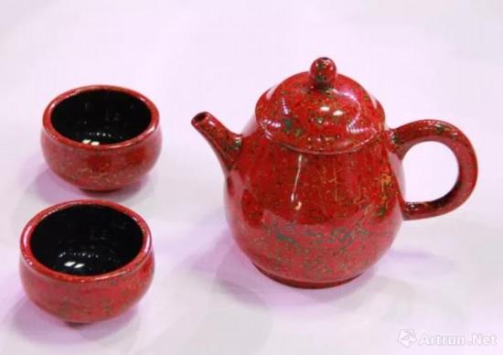 《菠萝漆紫砂茶具》 俞均鹏(徽州漆器) 2017年