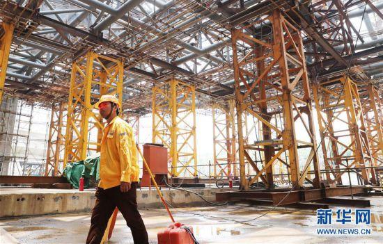 (社会)(6)上海天文馆初具规模 主体建筑大悬挑支撑结构开始卸载