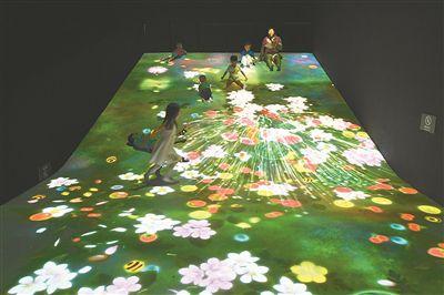 沉浸式科技艺术展亮相南京 观众耳目一新