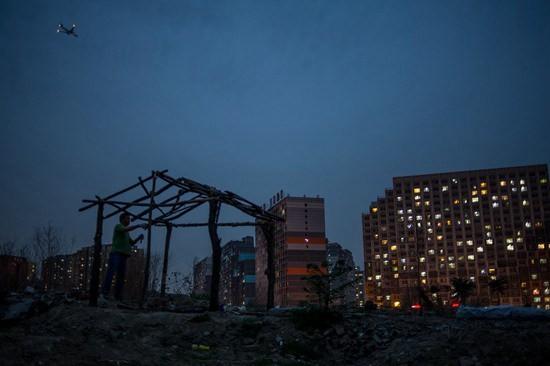 北京租房故事:背负着工作爱情家庭和未来的我们在其中不