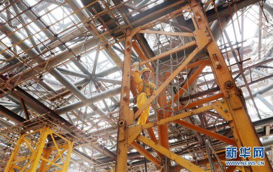 (社会)(4)上海天文馆初具规模 主体建筑大悬挑支撑结构开始卸载
