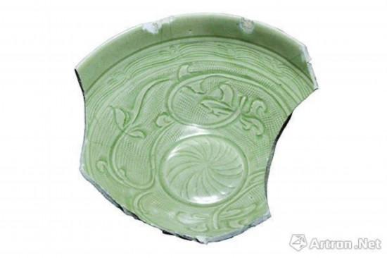 """龙泉窑珠光青瓷,标志性""""米""""字形荷花纹"""