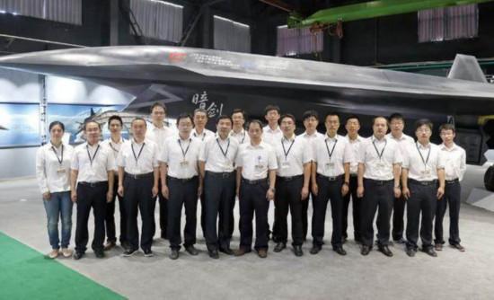 中國曝光全球第一款六代機?外媒:與殲20搭配