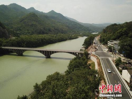 """浙江开展""""四好农村路""""摄影大赛共享美丽公路创建成果"""