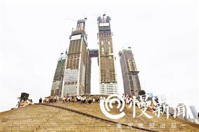 如今的朝天门,已经成为重庆的一 通过长江索道、洪崖洞等旅游图片