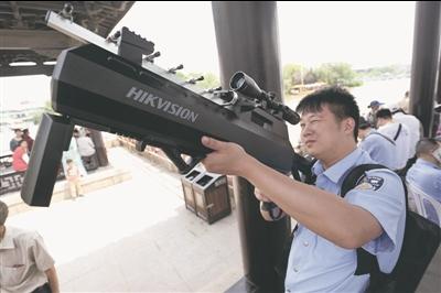 无人机反制枪精准打击 护航南通龙舟比赛