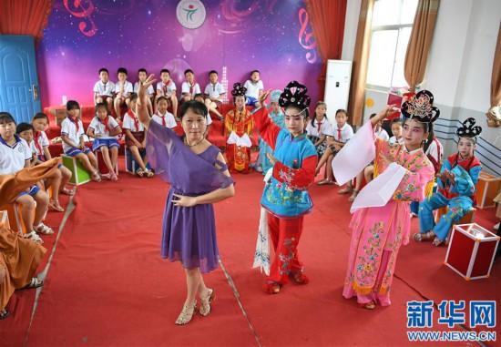 (教育)(1)江西:传承采茶戏曲文化 丰富校园生活