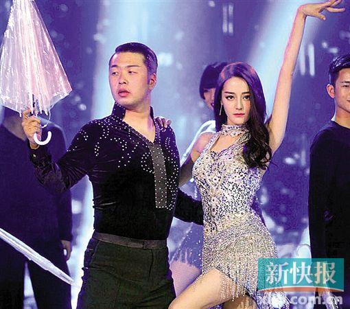 """《新舞林大会》升级回归 迪丽热巴勇闯""""舞林"""""""