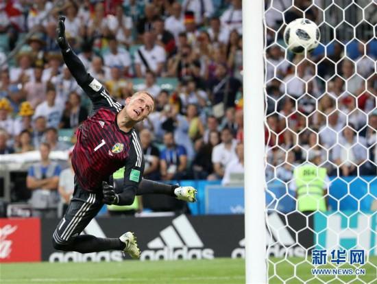 """(世界杯·专题)(1)足球——俄罗斯世界杯屡次上演""""绝处逢生"""""""