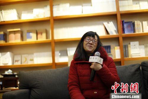 """""""慢写作者""""余秀华:一年出几本书是浪费纸张"""