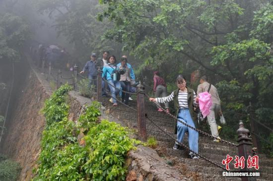专家:过度依赖门票已成阻碍中国旅游发展绊脚石