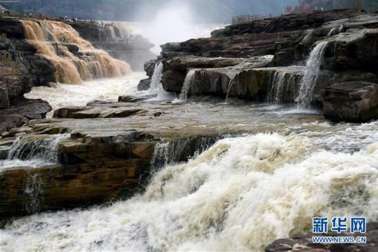 #(环境)(1)黄河壶口瀑布现半清半浊景观