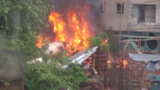 快讯!印度孟买一小型飞机坠毁 致5人死亡