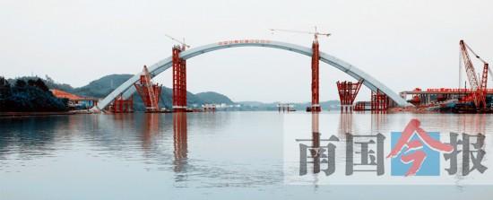 """世界跨度最大 柳州官塘大桥闪耀""""工匠精神""""(图)"""