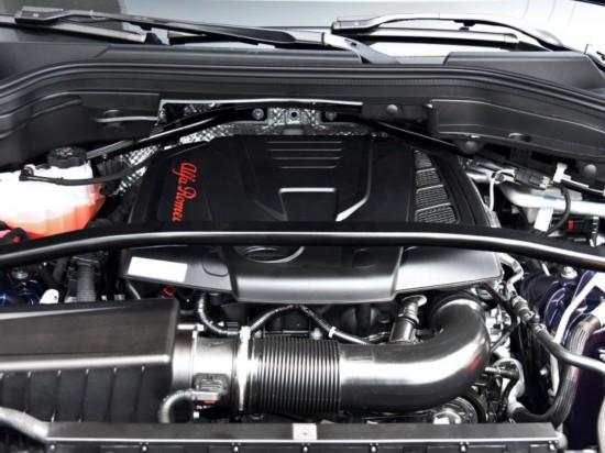 阿尔法・罗密欧 Stelvio 2017款 2.0T 280HP 豪华版