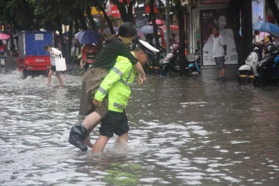 未来五天自贡将逐渐放晴无明显强v动漫动漫过女生天气踢足球图片图片