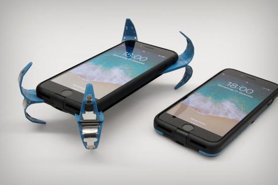 能弹射出爪子的神奇手机壳
