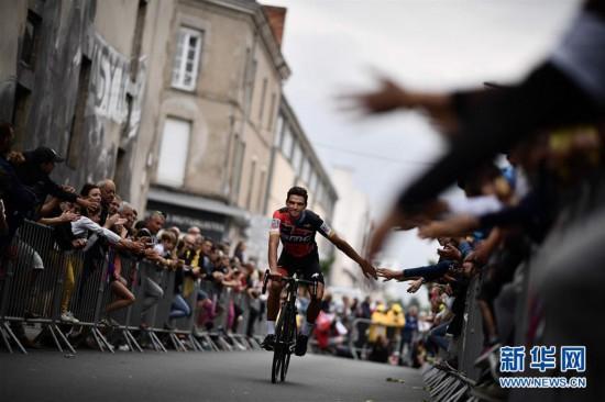 (体育)(1)自行车――环法自行车赛开幕