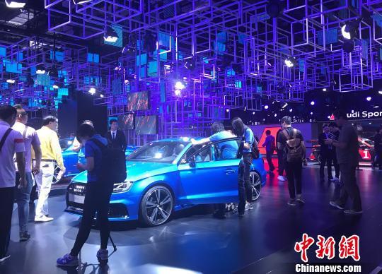 """调查:中国汽车购买出现""""看脸""""的一代"""