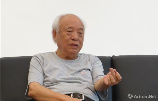 四川美术学院教授、著名雕塑家王官乙