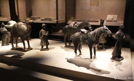 陶俑一组  元代  内蒙古博物馆