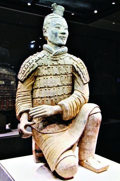 跪射武士俑 秦始皇帝陵博物院