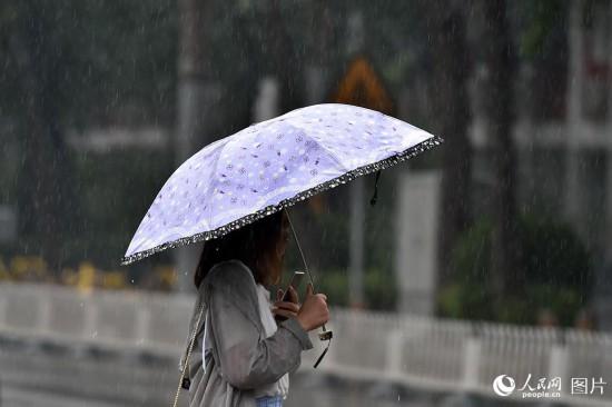强降雨来袭 北京发布暴雨蓝色预警【5】