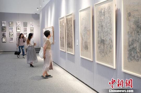 """""""水+墨:从新海派到当代""""展览在上海揭幕"""