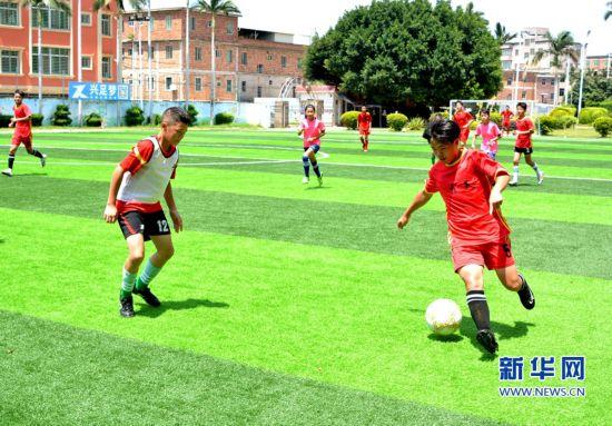 """南安:足球夏令营点燃乡村孩子的""""足球梦"""""""