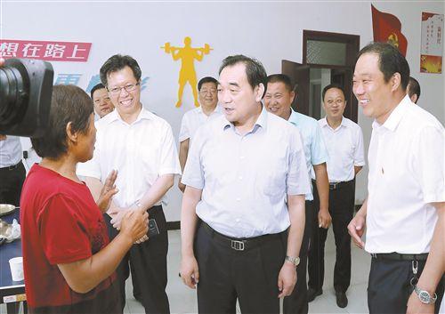 周铁根丰县调研:全力以赴加快发展步伐