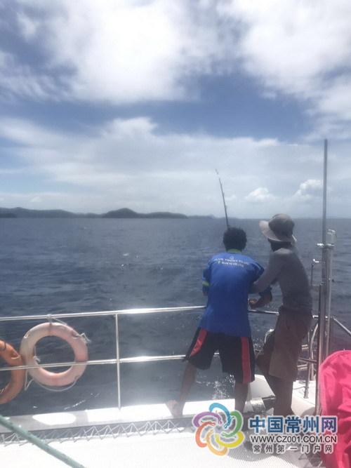 泰国翻船事件目击者:常州小女孩投稿讲述海上惊魂记