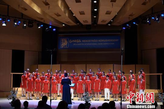 """上海学生合唱团匈牙利""""折桂""""第28届巴托克国际合唱比赛"""